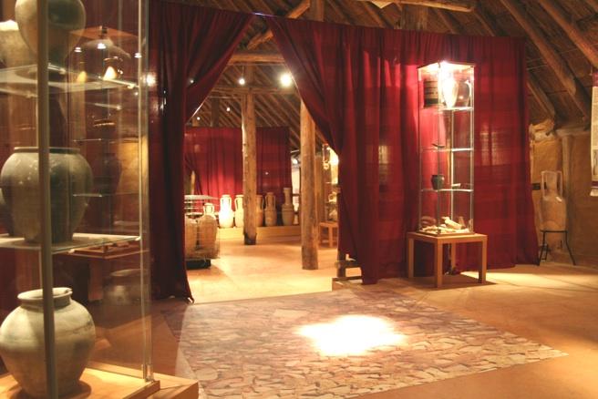 Vue d'une salle consacrée au sanctuaire de Corent.
